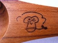 中島良二絵の猿とORIENTAL FA'Sのロゴの焼き印を入れました